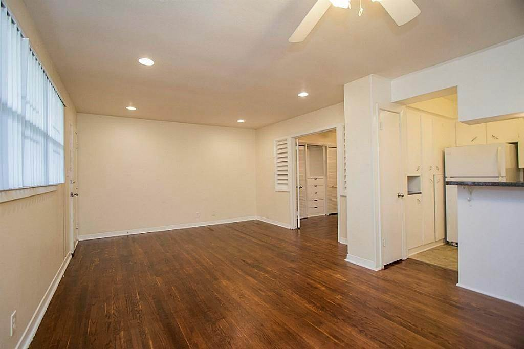2. Single Family Homes for Rent at 3520 Garrott Street #2 3520 Garrott Street Houston, Texas 77006 United States