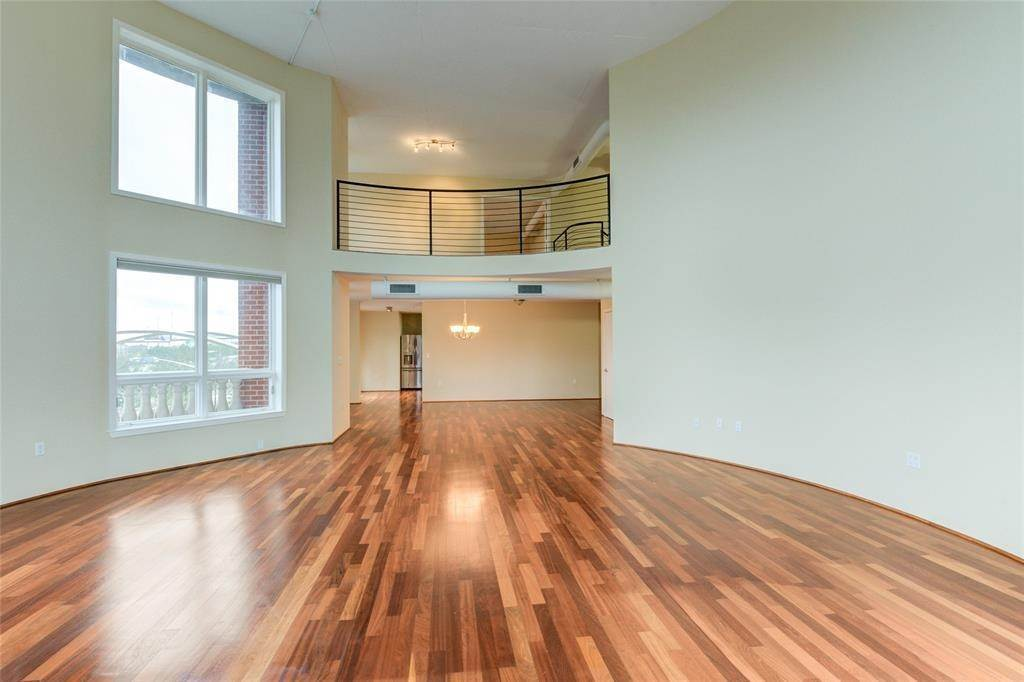 21. High or Mid-Rise Condo for Rent at 3030 Post Oak Boulevard #408 3030 Post Oak Boulevard Houston, Texas 77056 United States