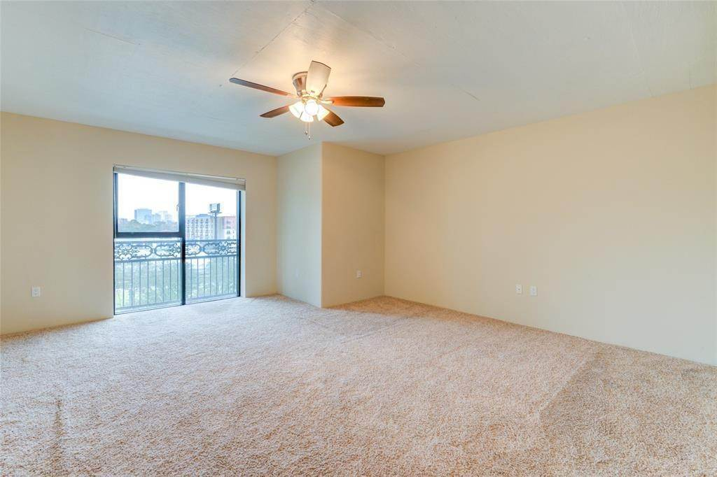 33. High or Mid-Rise Condo for Rent at 3030 Post Oak Boulevard #408 3030 Post Oak Boulevard Houston, Texas 77056 United States