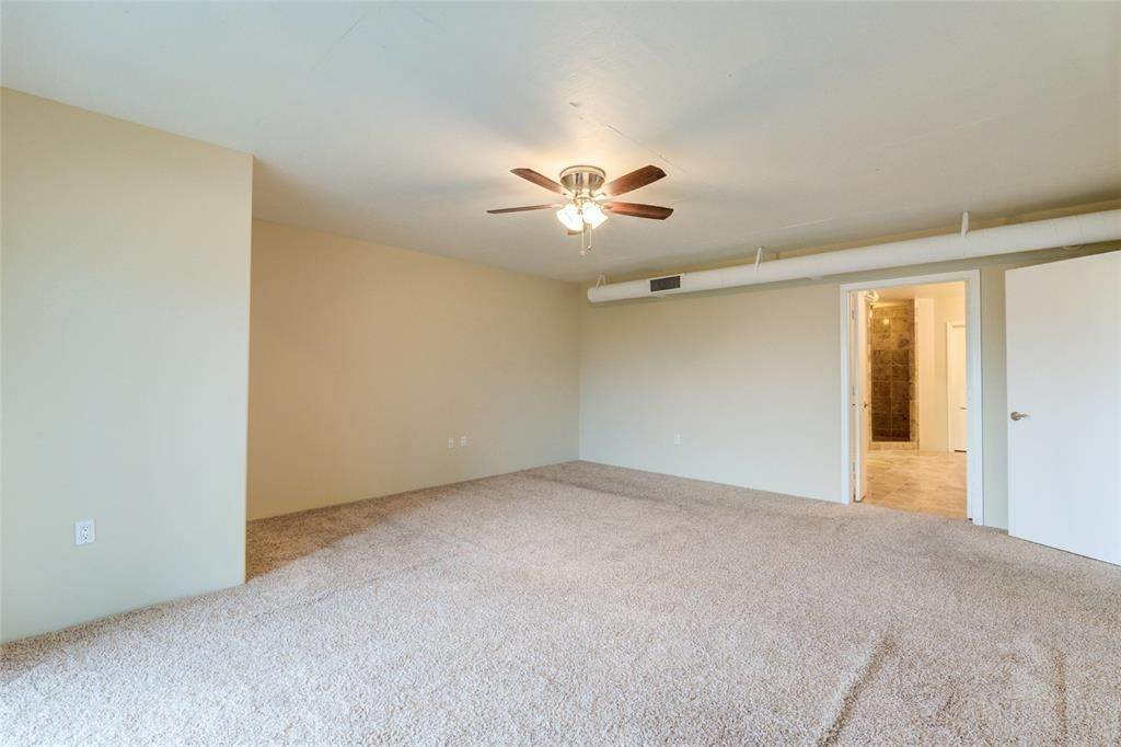 34. High or Mid-Rise Condo for Rent at 3030 Post Oak Boulevard #408 3030 Post Oak Boulevard Houston, Texas 77056 United States