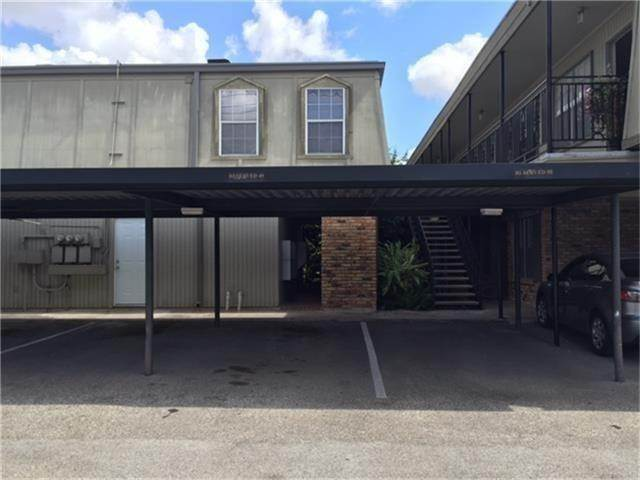 15. Condo / Townhouse for Rent at 3131 Southwest Freeway #41 3131 Southwest Freeway Houston, Texas 77098 United States