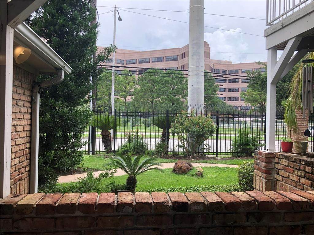 12. Condo / Townhouse for Rent at 2300 Old Spanish Trail #1078 2300 Old Spanish Trail Houston, Texas 77054 United States