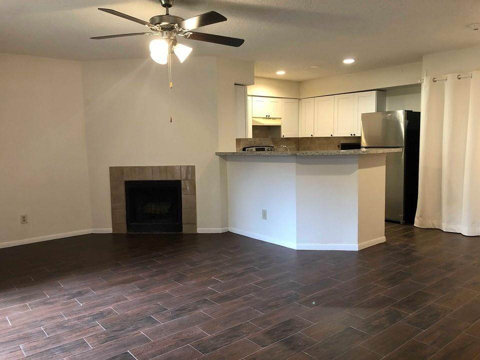 18. Condo / Townhouse for Rent at 2300 Old Spanish Trail #1078 2300 Old Spanish Trail Houston, Texas 77054 United States