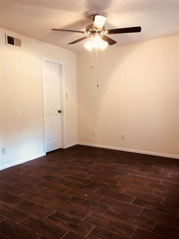 23. Condo / Townhouse for Rent at 2300 Old Spanish Trail #1078 2300 Old Spanish Trail Houston, Texas 77054 United States