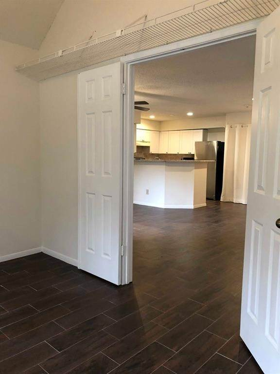 25. Condo / Townhouse for Rent at 2300 Old Spanish Trail #1078 2300 Old Spanish Trail Houston, Texas 77054 United States