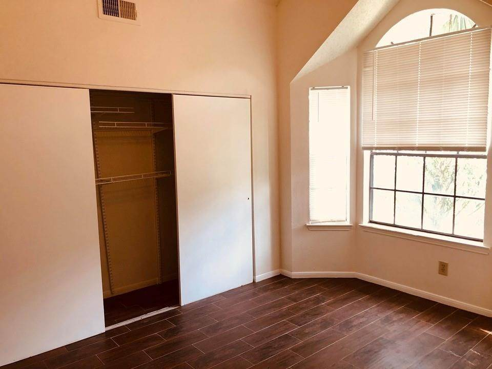 27. Condo / Townhouse for Rent at 2300 Old Spanish Trail #1078 2300 Old Spanish Trail Houston, Texas 77054 United States