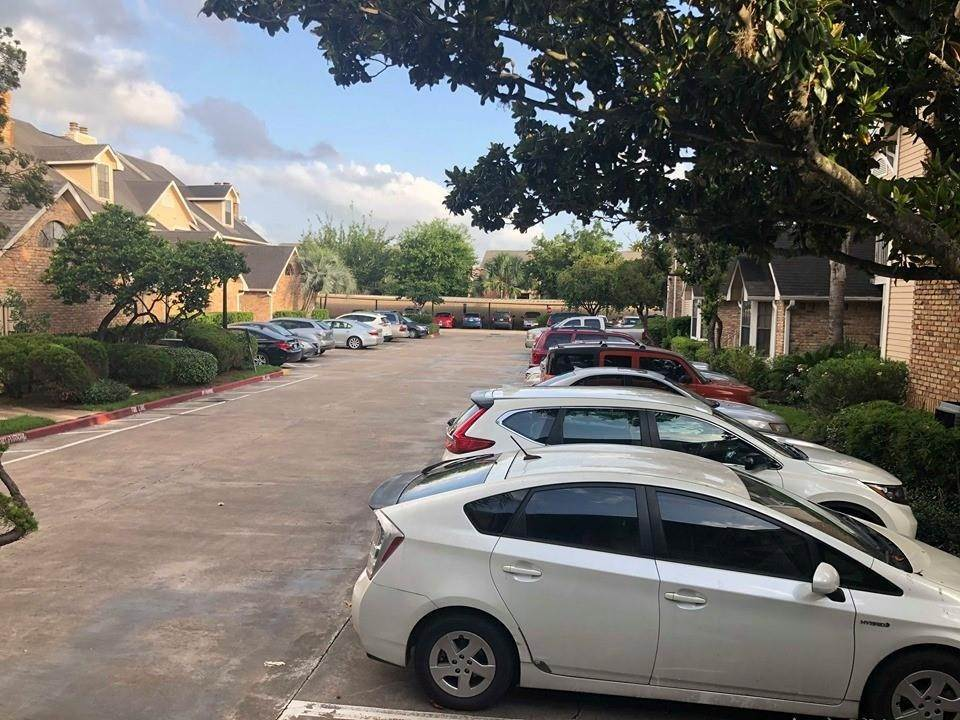 36. Condo / Townhouse for Rent at 2300 Old Spanish Trail #1078 2300 Old Spanish Trail Houston, Texas 77054 United States