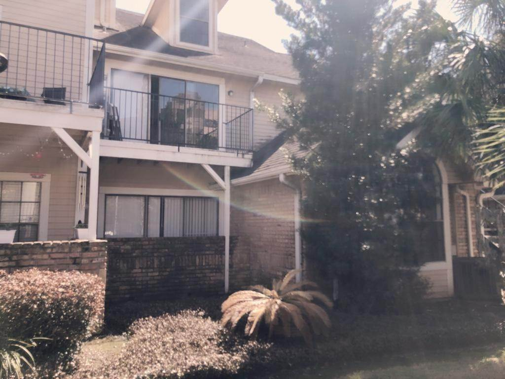 4. Condo / Townhouse for Rent at 2300 Old Spanish Trail #1078 2300 Old Spanish Trail Houston, Texas 77054 United States