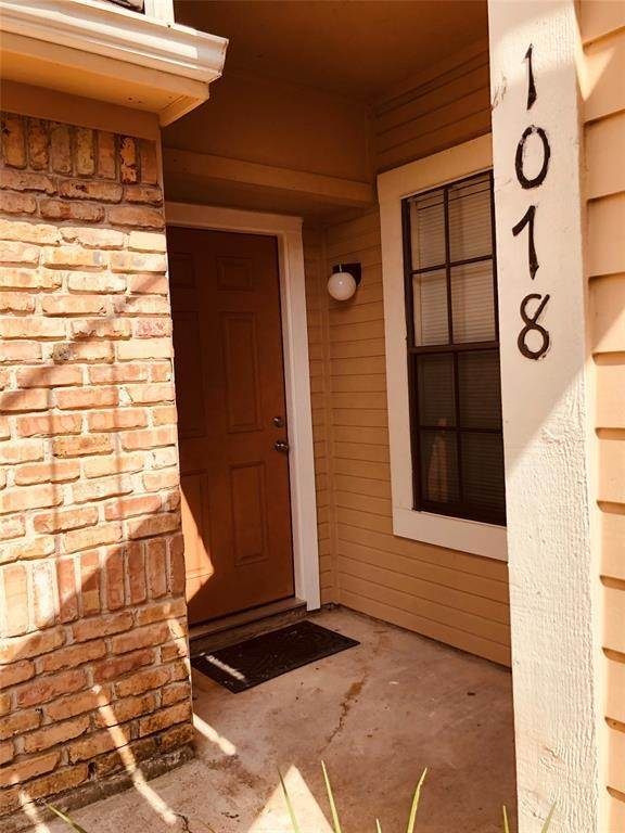 6. Condo / Townhouse for Rent at 2300 Old Spanish Trail #1078 2300 Old Spanish Trail Houston, Texas 77054 United States