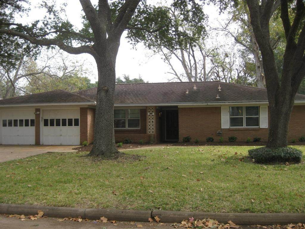 6. Single Family Homes for Rent at 531 Kyle St Sugar Land, Texas 77478 United States