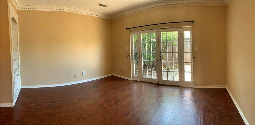 7. Condo / Townhouse for Rent at 3801 Wakeforest Street Houston, Texas 77098 United States
