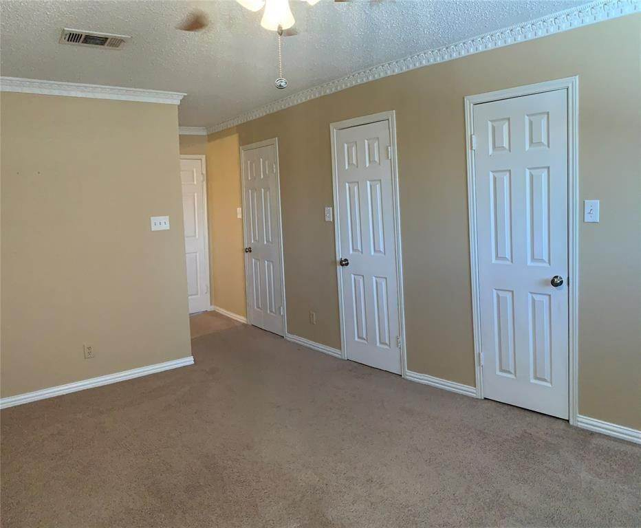 8. Condo / Townhouse for Rent at 3801 Wakeforest Street Houston, Texas 77098 United States