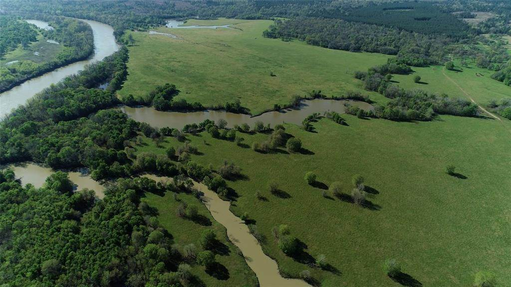 Farm and Ranch Properties for Sale at 850 E Lost Indian Camp Road Huntsville, Texas 77320 United States