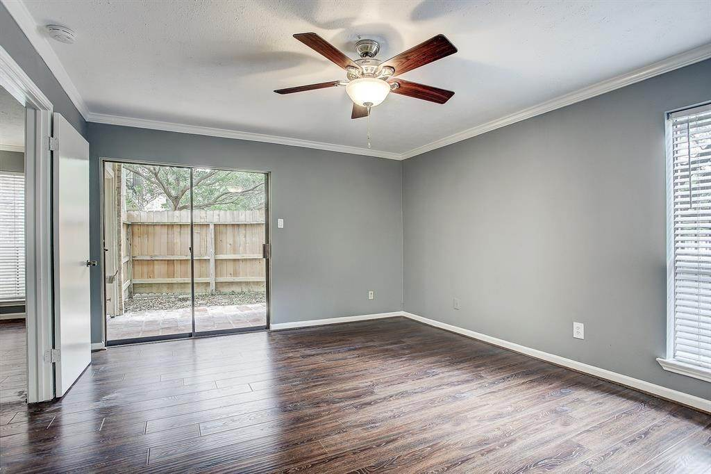 7. Condo / Townhouse for Rent at 1601 S Shepherd Drive #115 1601 S Shepherd Drive Houston, Texas 77019 United States