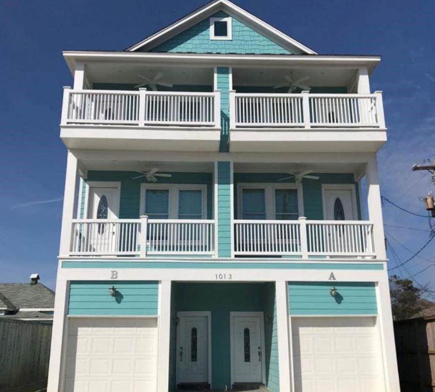 2. Condo / Townhouse for Rent at 1013 10th Street #B 1013 10th Street Galveston, Texas 77550 United States