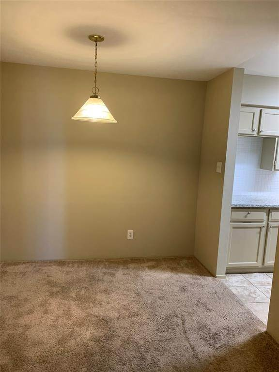 4. Condo / Townhouse for Rent at 8787 Brae Acres Road #1006 8787 Brae Acres Road Houston, Texas 77074 United States