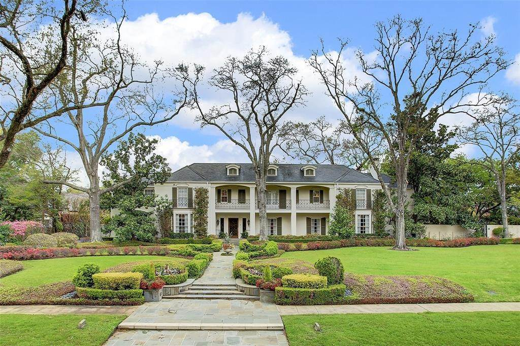 Single Family for Sale at 3208 Chevy Chase Drive Houston, Texas 77019 United States