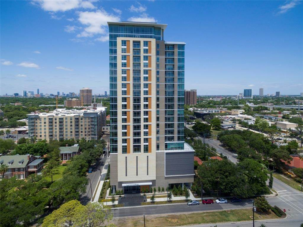 46. High or Mid-Rise Condo for Rent at 5280 Caroline Street #1405 5280 Caroline Street Houston, Texas 77004 United States