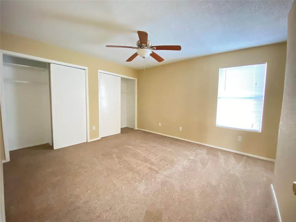 8. Condo / Townhouse for Rent at 781 Country Place Drive #2003 781 Country Place Drive Houston, Texas 77079 United States