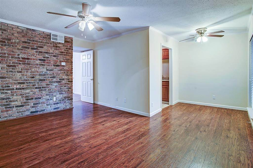 2. High or Mid-Rise Condo for Rent at 2507 Montrose Boulevard #7 2507 Montrose Boulevard Houston, Texas 77006 United States
