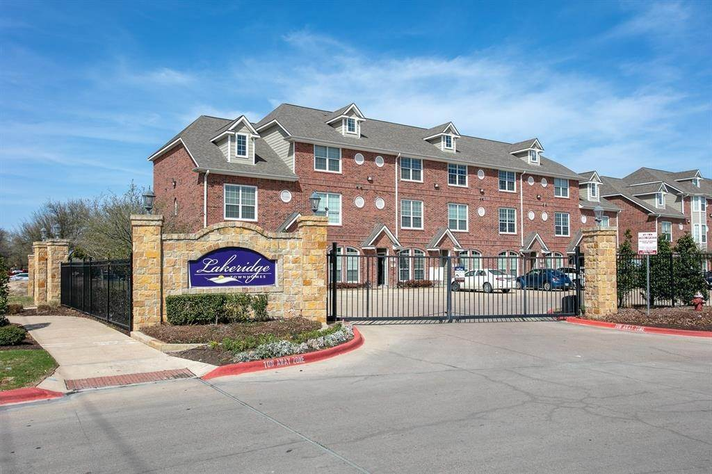 Condo / Townhouse for Rent at 1198 Jones Butler Road #2104 1198 Jones Butler Road College Station, Texas 77840 United States
