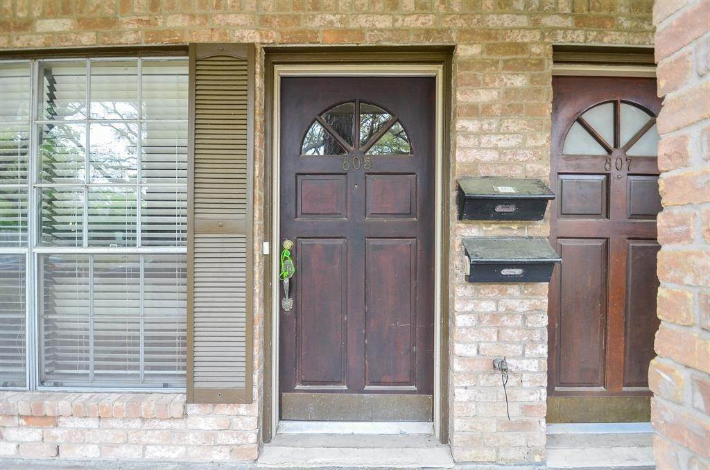 11. Condo / Townhouse for Rent at 805 Wax Myrtle Lane Houston, Texas 77079 United States