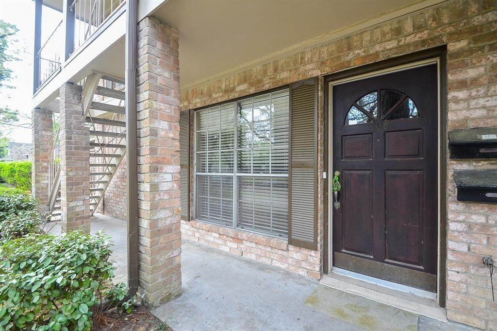 2. Condo / Townhouse for Rent at 805 Wax Myrtle Lane Houston, Texas 77079 United States