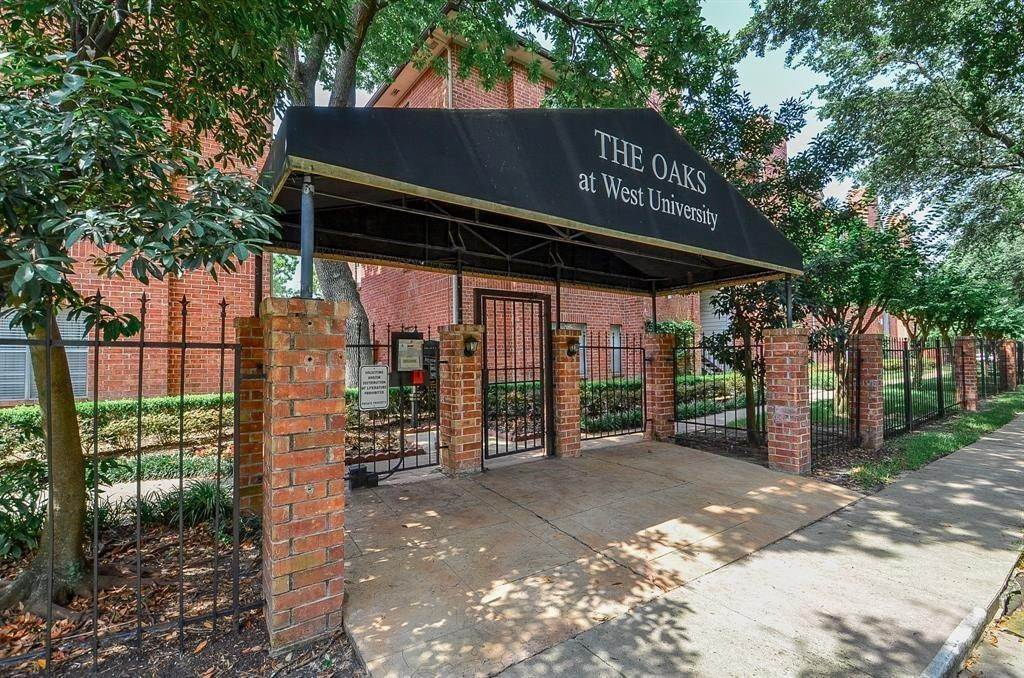 Condo / Townhouse for Rent at 4041 Law Street #408 4041 Law Street Houston, Texas 77005 United States