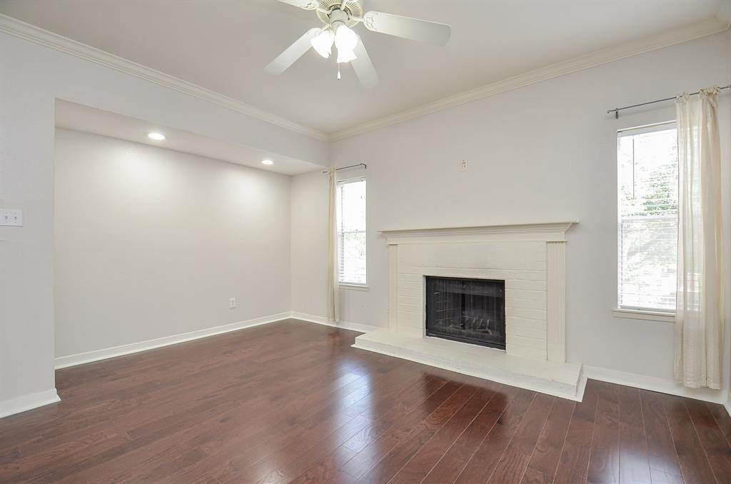 13. Condo / Townhouse for Rent at 4041 Law Street #408 4041 Law Street Houston, Texas 77005 United States