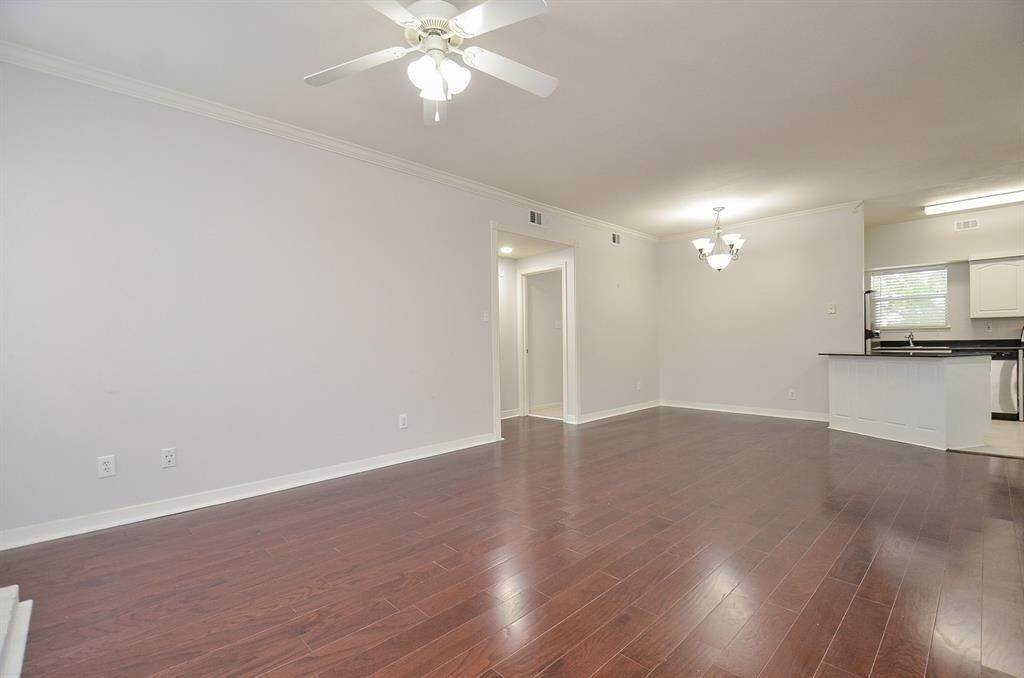 15. Condo / Townhouse for Rent at 4041 Law Street #408 4041 Law Street Houston, Texas 77005 United States