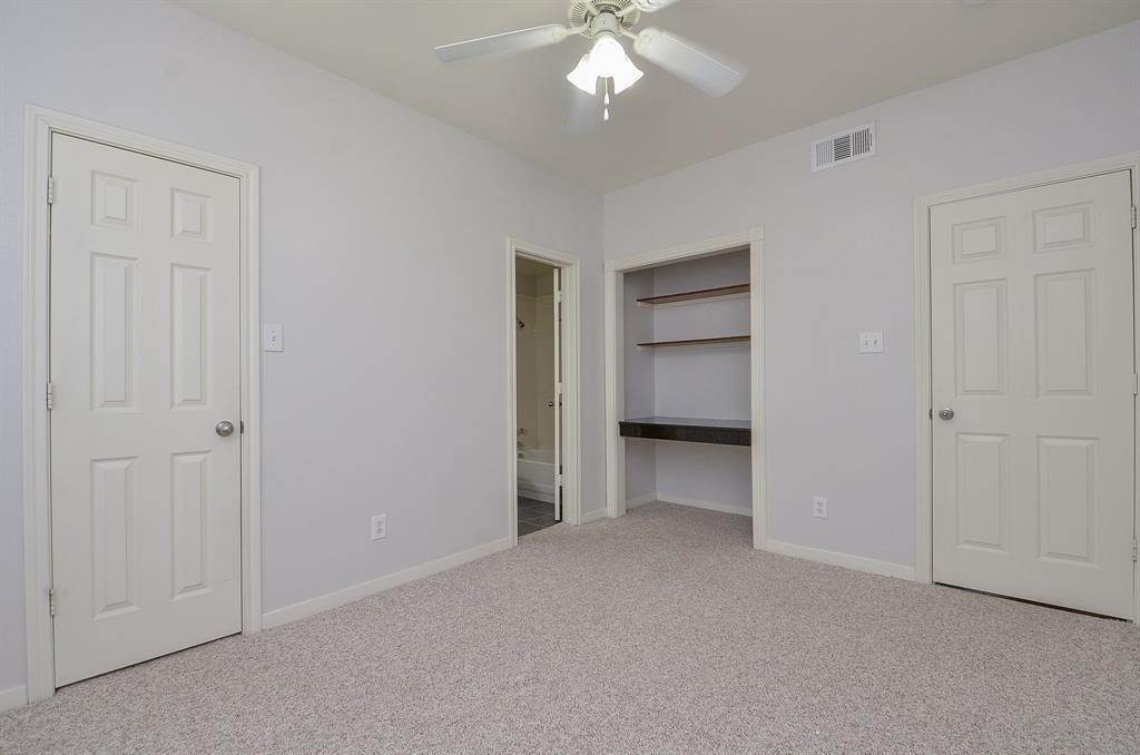 22. Condo / Townhouse for Rent at 4041 Law Street #408 4041 Law Street Houston, Texas 77005 United States