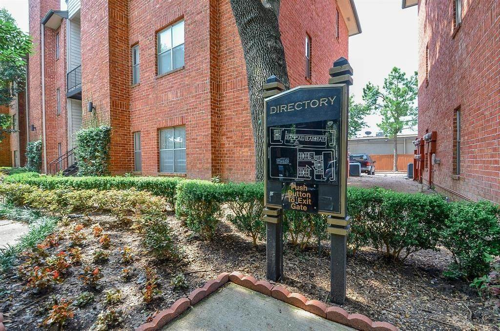 28. Condo / Townhouse for Rent at 4041 Law Street #408 4041 Law Street Houston, Texas 77005 United States