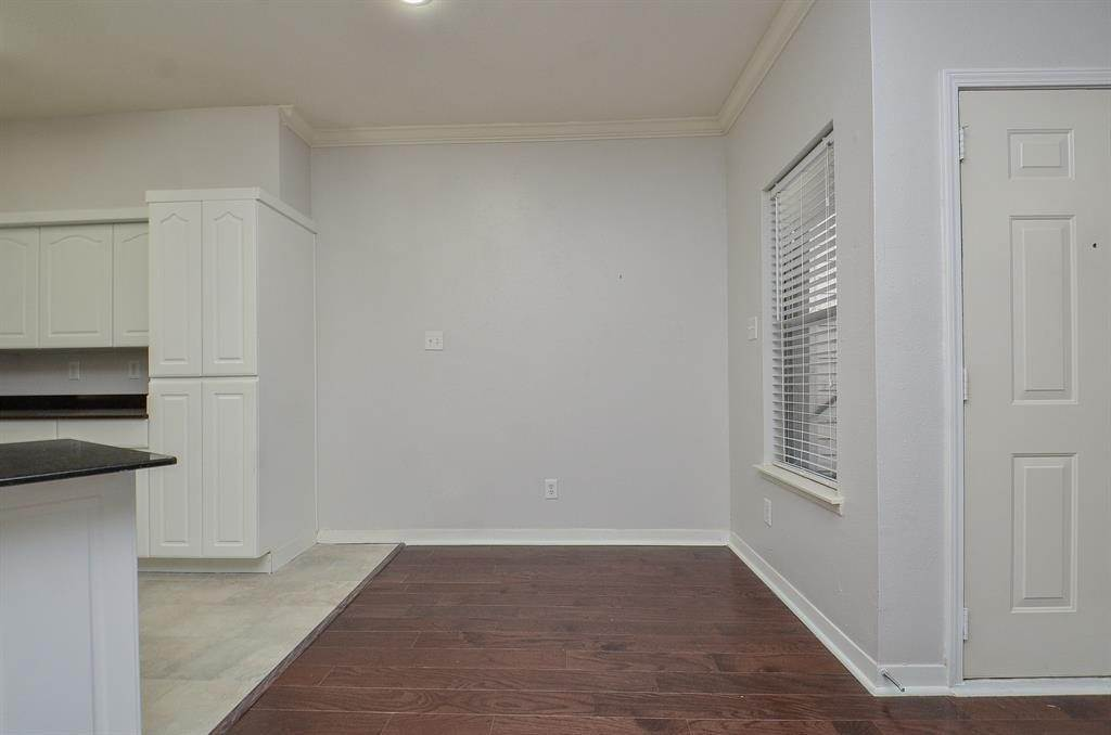 5. Condo / Townhouse for Rent at 4041 Law Street #408 4041 Law Street Houston, Texas 77005 United States