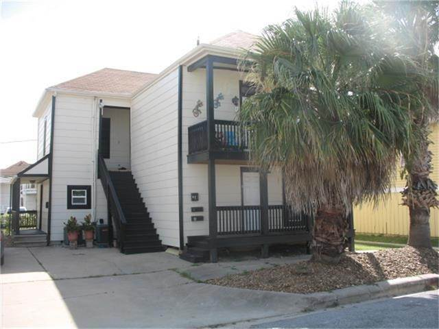 25. Single Family Homes for Rent at 612 9th Street #3 612 9th Street Galveston, Texas 77550 United States