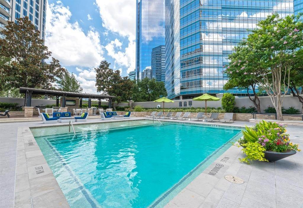 13. High or Mid-Rise Condo for Rent at 1200 Post Oak Boulevard #1907 1200 Post Oak Boulevard Houston, Texas 77056 United States