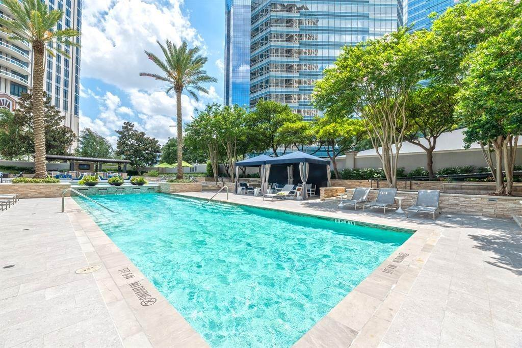 14. High or Mid-Rise Condo for Rent at 1200 Post Oak Boulevard #1907 1200 Post Oak Boulevard Houston, Texas 77056 United States