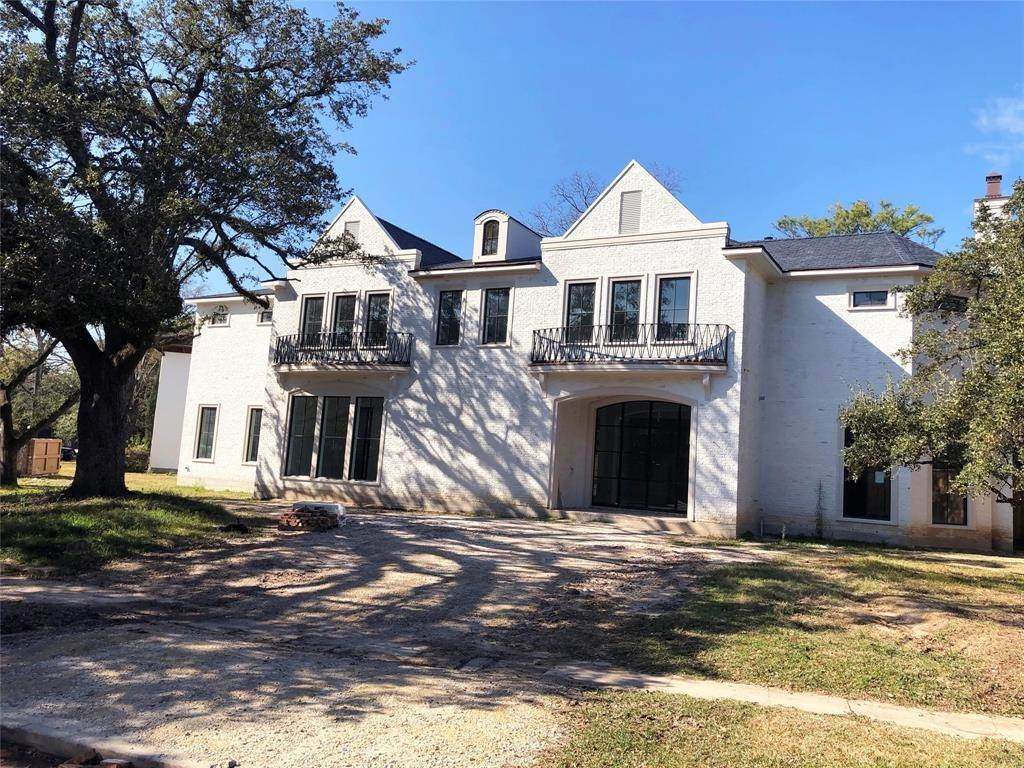 Single Family for Sale at 2116 Looscan Lane Houston, Texas 77019 United States