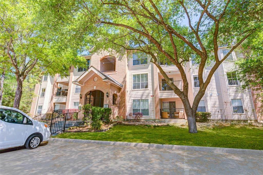 Condo / Townhouse for Rent at 8051 Bay Branch Drive #222 8051 Bay Branch Drive The Woodlands, Texas 77382 United States