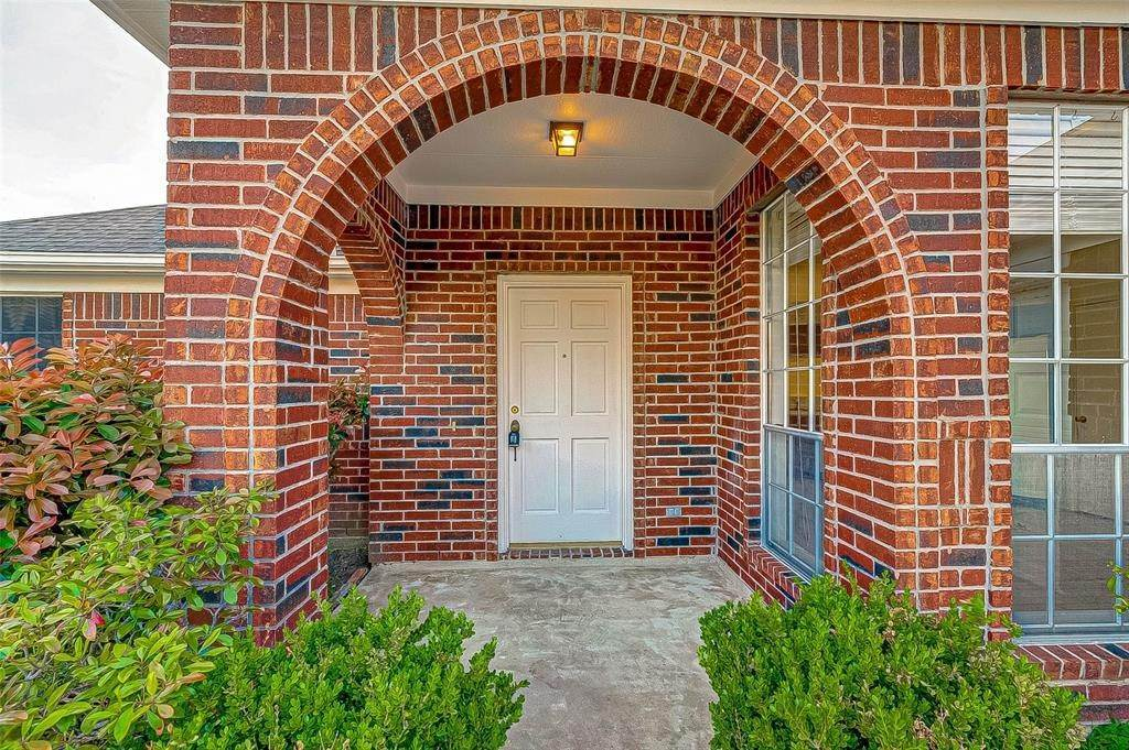 10. Single Family Homes for Rent at 125 Barbetta Court League City, Texas 77573 United States
