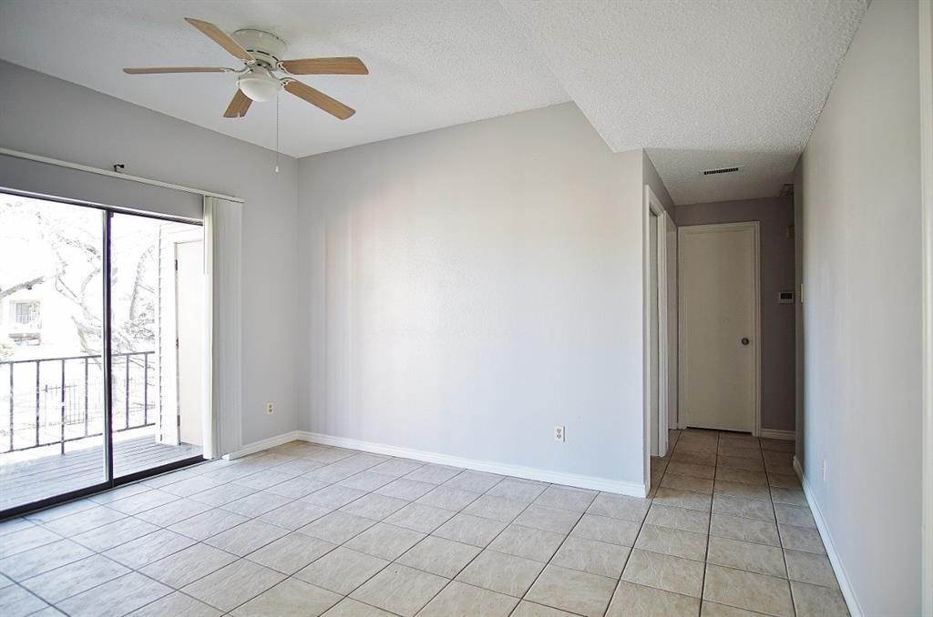 8. Condo / Townhouse for Rent at 3704 Woodchase Drive #66d 3704 Woodchase Drive Houston, Texas 77042 United States