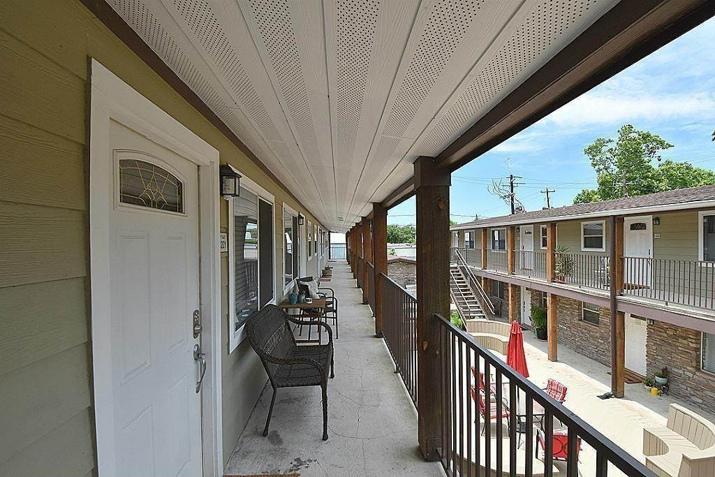 8. Condo / Townhouse for Rent at 1447 Heights Boulevard #225 1447 Heights Boulevard Houston, Texas 77008 United States