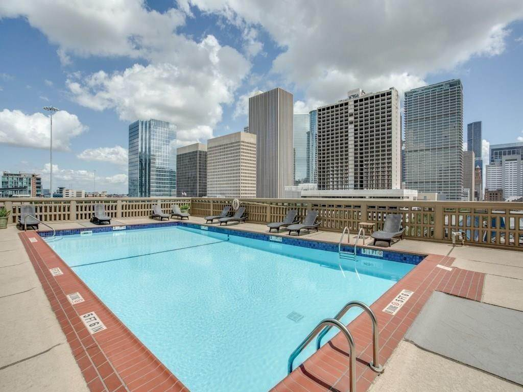 10. High or Mid-Rise Condo for Rent at 2016 Main Street #2509 2016 Main Street Houston, Texas 77002 United States