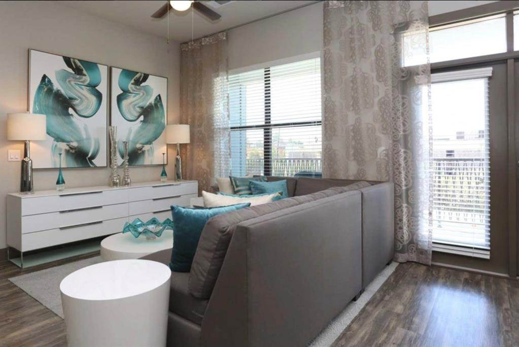 8. High or Mid-Rise Condo for Rent at 5454 Washington Avenue Avenue #1634 5454 Washington Avenue Avenue Houston, Texas 77007 United States