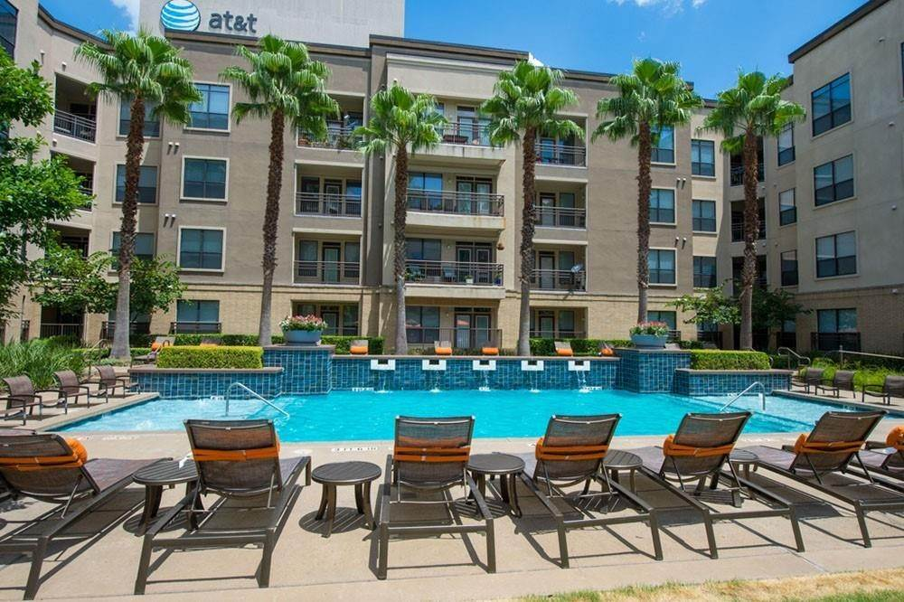 6. High or Mid-Rise Condo for Rent at 3333 Weslayan Street #2240 3333 Weslayan Street Houston, Texas 77027 United States