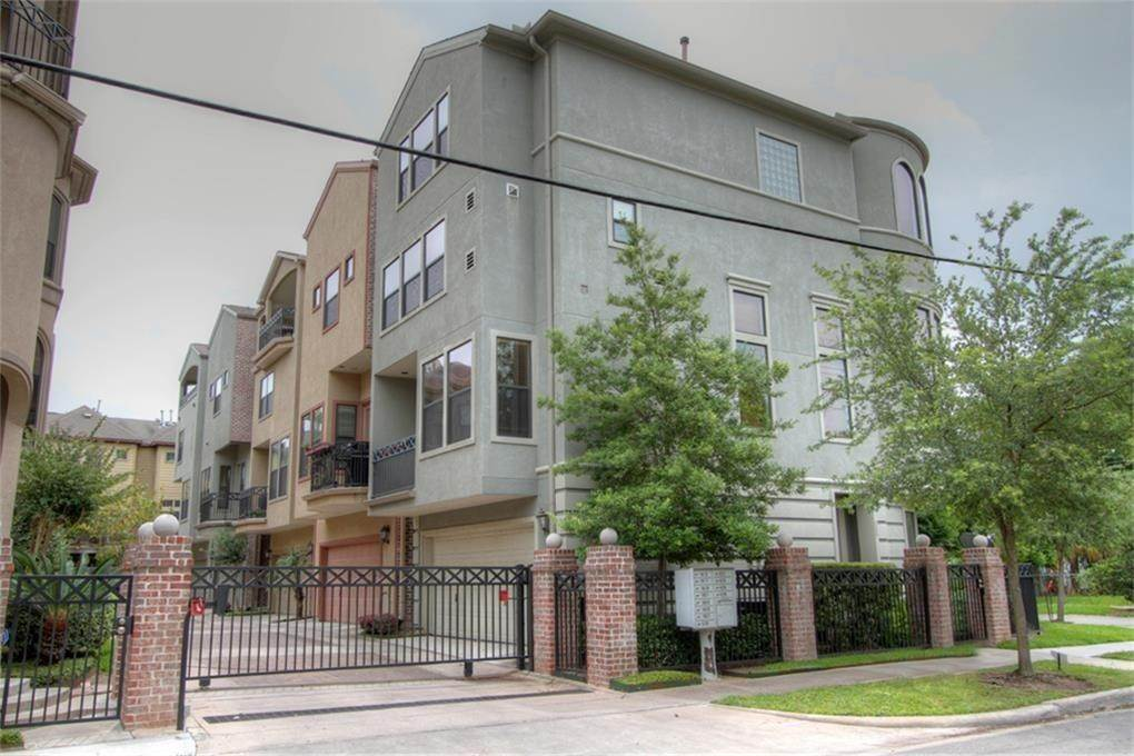 2. Condo / Townhouse for Rent at 622 Bomar Street Houston, Texas 77006 United States