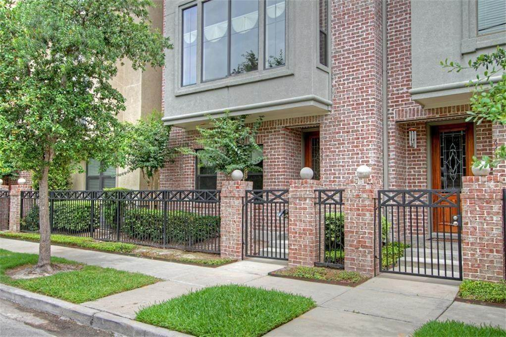 21. Condo / Townhouse for Rent at 622 Bomar Street Houston, Texas 77006 United States