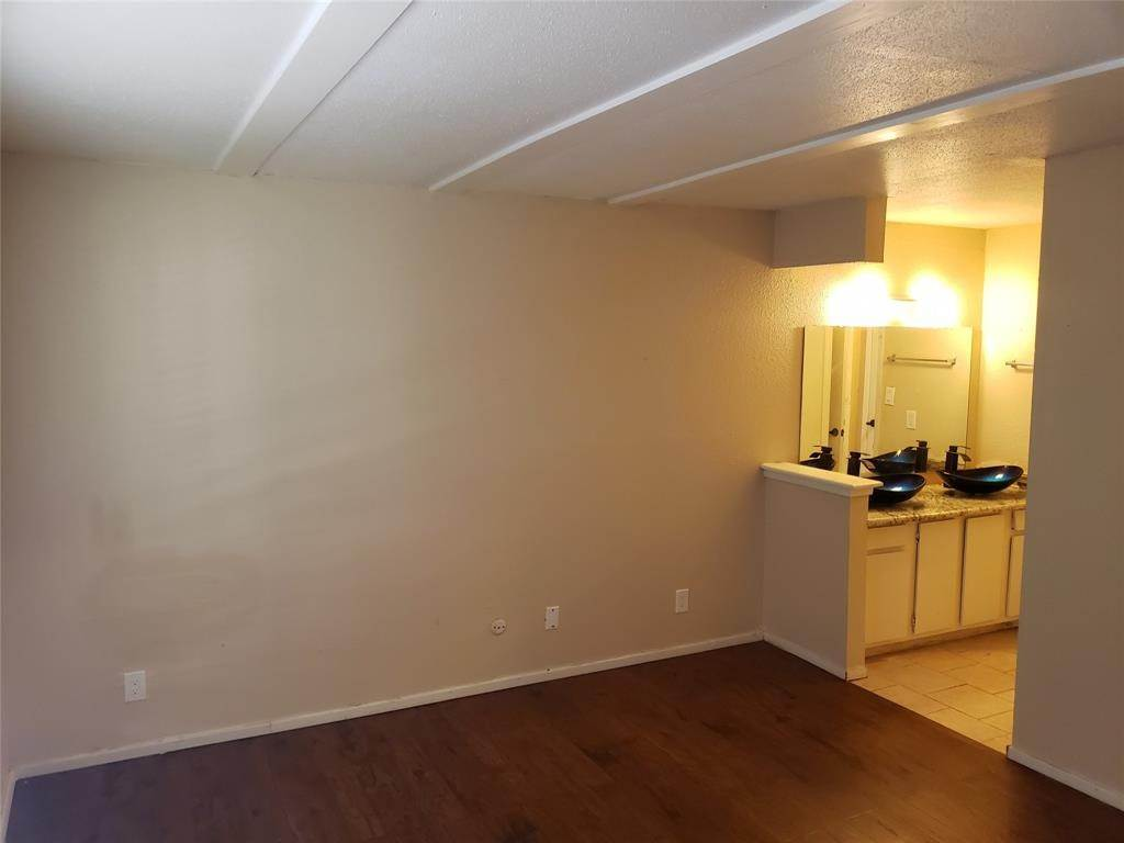 28. Condo / Townhouse for Rent at 6200 W Tidwell Road #1712 6200 W Tidwell Road Houston, Texas 77092 United States