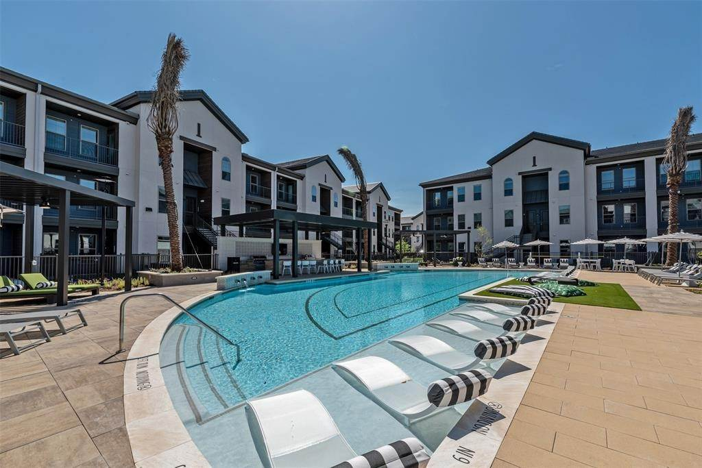 30. High or Mid-Rise Condo for Rent at 698 Basilica Bay Drive #2103 698 Basilica Bay Drive Houston, Texas 77386 United States