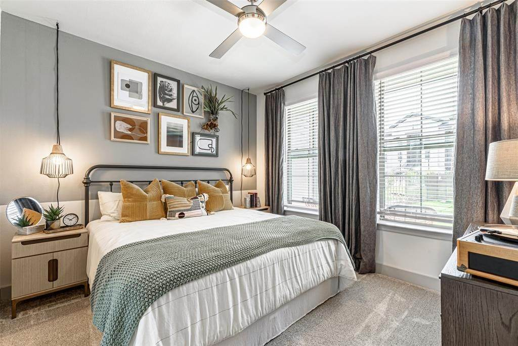 8. High or Mid-Rise Condo for Rent at 698 Basilica Bay Drive #2103 698 Basilica Bay Drive Houston, Texas 77386 United States