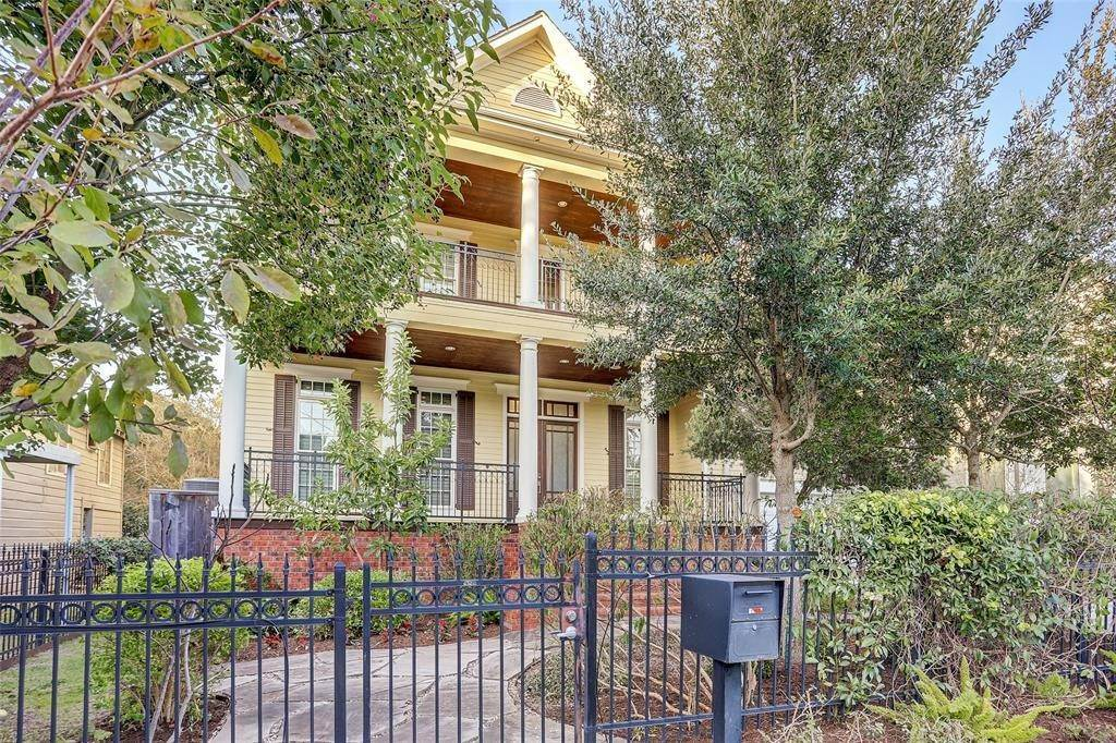 Single Family for Sale at 1811 W 14th Street Houston, Texas 77008 United States